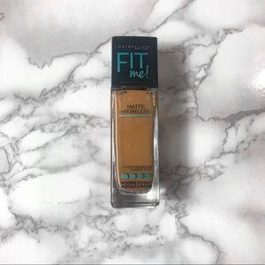 Makeup - Maybelline FIT Matte + Poreless Foundation